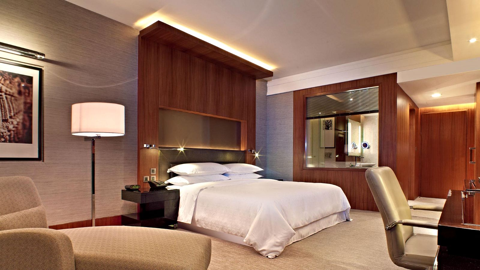 Junior Suite at Sheraton Grand Bangalore Hotel at Brigade Gateway